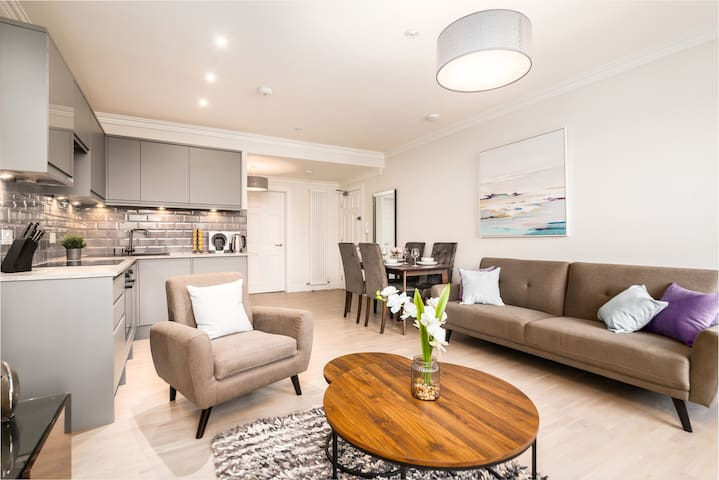 Stafford St Luxury Central Apartment 2 Bedrooms