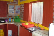 "Plenty of kitchenware or enjoy delicious typical Nicaraguan freshly made meals at several nearby locations including Comedor ""Madeling"" next door!"