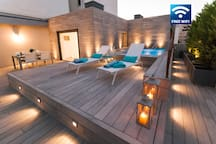Luxury Penthouse with pool. View over the pool and roof terrace