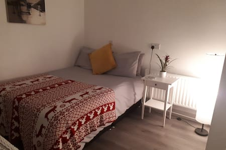 Studio w/ Own Entrance 6km to Galway city