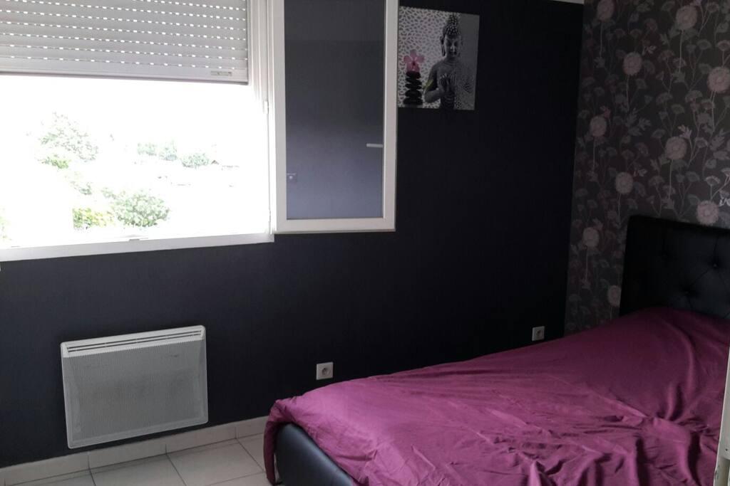 Chambre lit double 140cm
