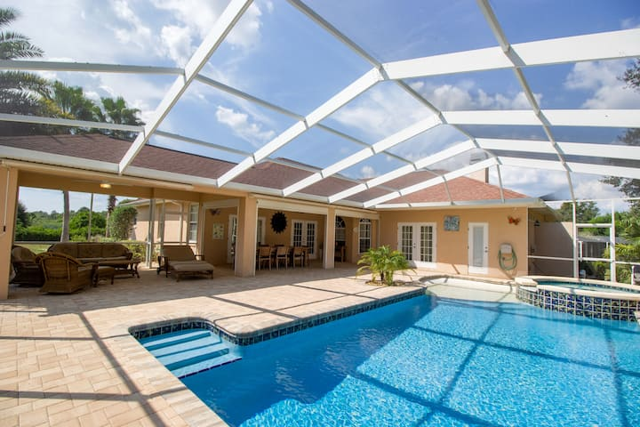 Golf   Family vacations   Luxury   Villa with pool