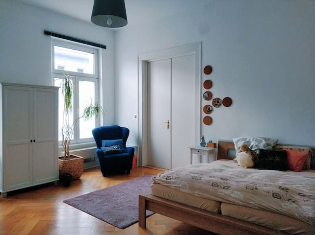 DIEZ - Center  l  schöne Altbauwohnung - sharing