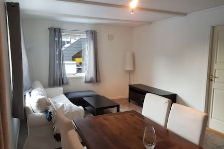 2 Bedroom apt  4-6 person nearby Stavanger Airport