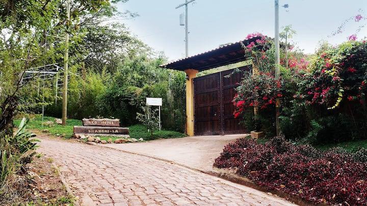 Eco-Hotel Shangri-La El Chimbo, Honduras