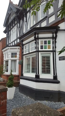 Bedroom with a Country & City Life nearby - Stourbridge - Casa