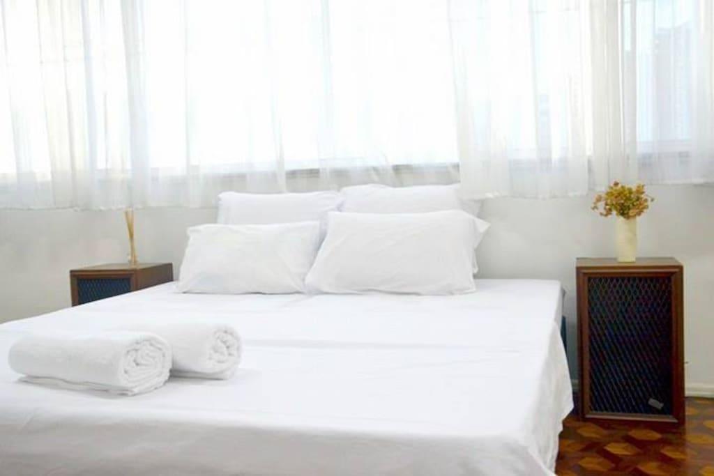 Suíte com cama de casal