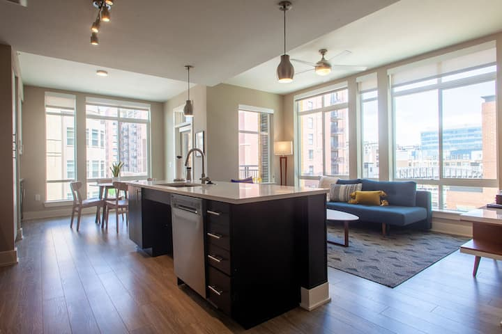 Kasa Denver | 2BD/2BA + Free Parking, 1200sqft of space | Union Station