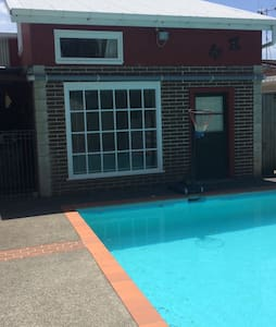 Pool House - Summer Fun - Whanganui - 公寓