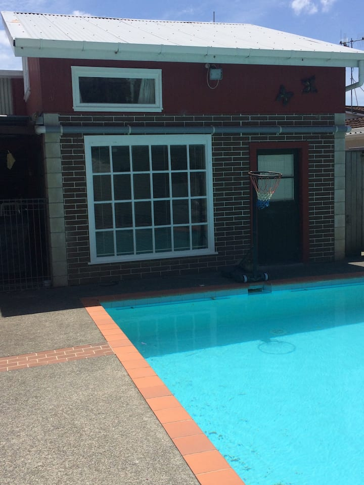 Pool House - Summer Fun