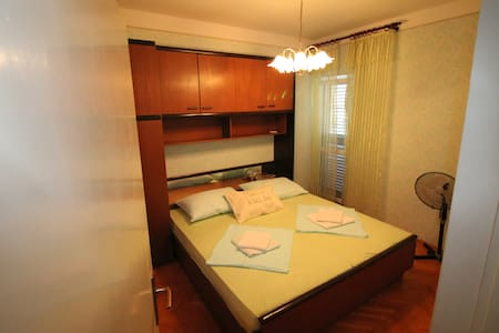 Rooms Bambina,bed&breakfast service, 50 m from sea - Lun - Bed & Breakfast