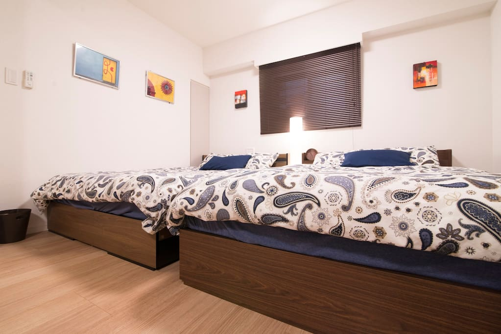 bed room/ two double beds