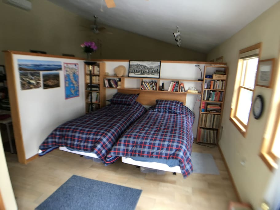 Two extra long twin beds.  Additional beds can be set up if needed