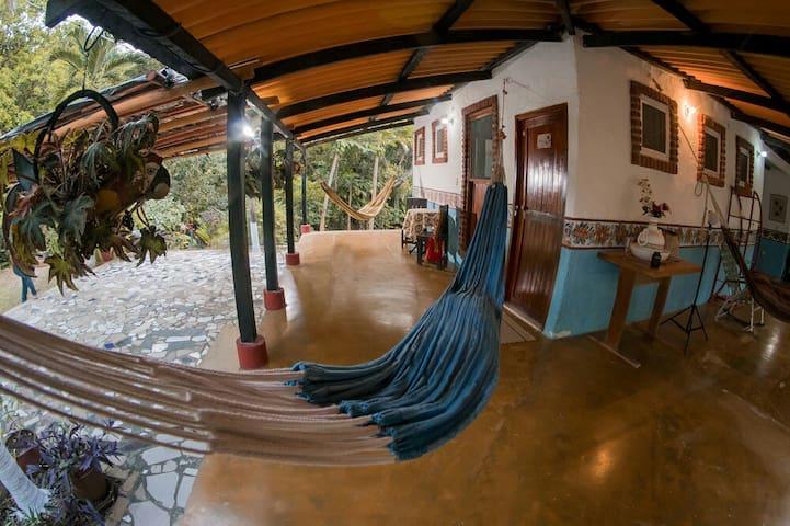 Cabaña para 12, Piscina y Desayuno. Zona Tayrona