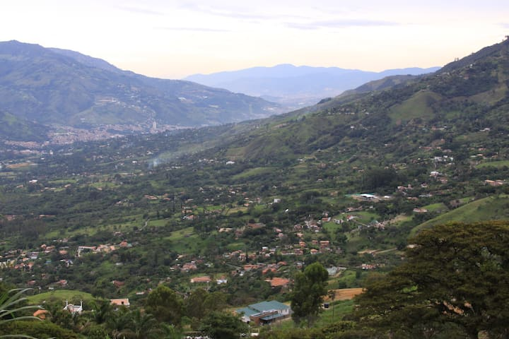 Paradise Mountain Cabin in Medellin