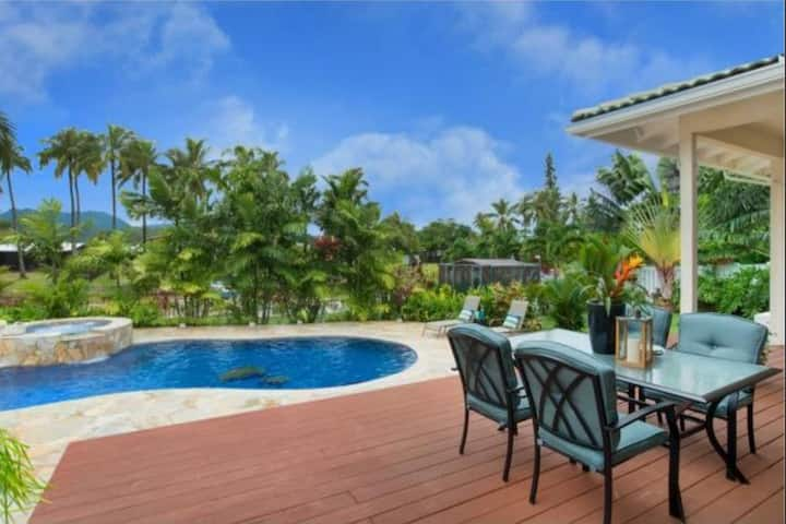 Waterfront house close to beach with pool/spa