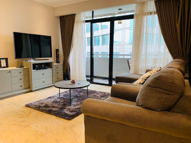 3BR Large & Luxurious & Well Located Apartment
