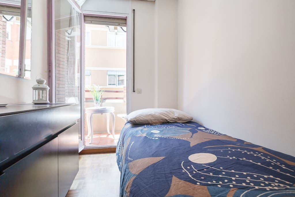 Confortable Hab Ind Con Balcon En Pl Espa A Apartments For Rent In Barcelona Metro L1