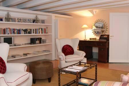 3 bd, modern amenities, restaurants - มอนเตซเปอโตลี