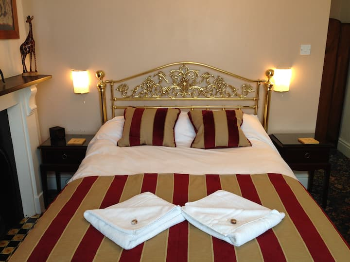 Double room en suite · Double room en suite · B&B Double room en suite - DEVONSHIRE HOUSE IN BATH