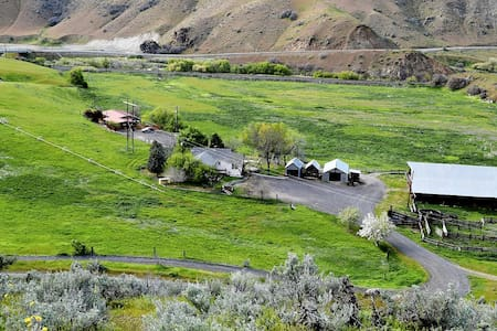 Barber Ranch-Mt Views. Cattle Ranch. Dog Friendly