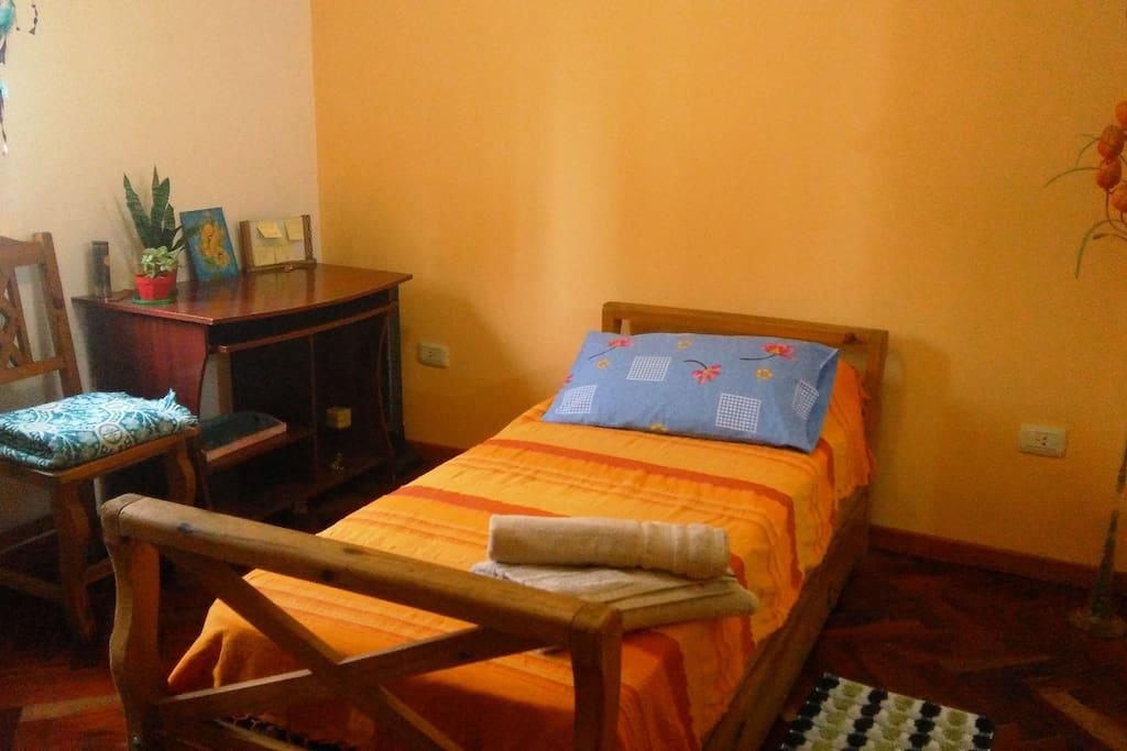 Habitación para 1 ó 2 personas con Placard - con Baño privado en suite