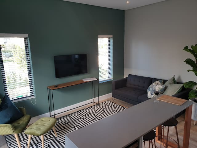 NEW 1 Bed Apartment Somerset West Cape Winelands