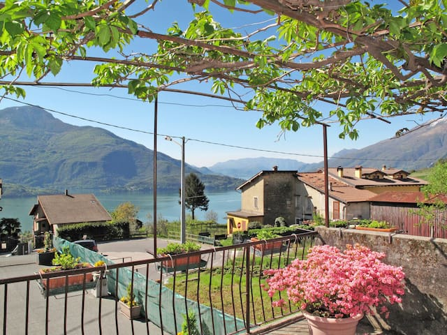 Holiday home in Vercana (CO)