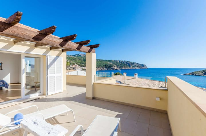 YourHouse Seira - modern town house with spectacular sea views in Sant Elm