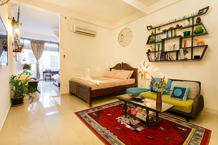 Spacious Apartment near Ben Thanh Market - D1