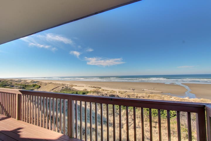 Lovely oceanfront home w/ stunning views, a solarium, & all the home essentials