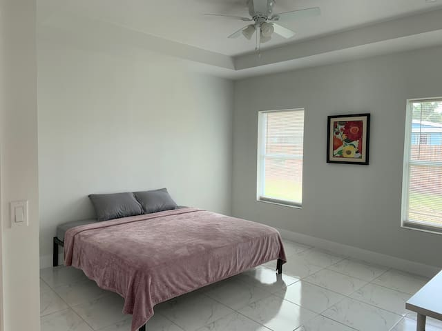 King Super Private Bedroom,New construction, beach