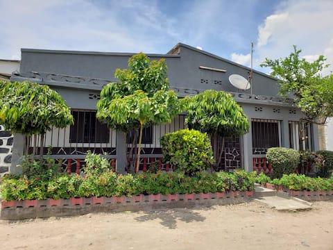 Tanganyika Cottage
