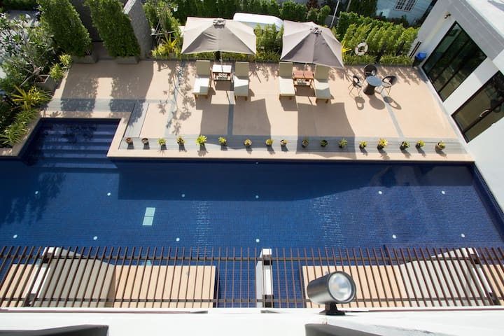 A Superior Room Pool Nice People ☺ - Wichit