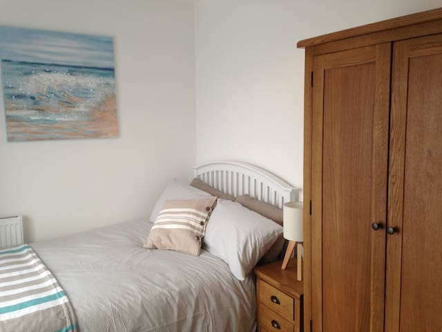 Double Room with TV & Garden View & Decking - Barrow-in-Furness - Dom