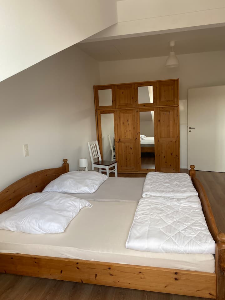 Helle 4 Zimmer Whg. neu renoviert