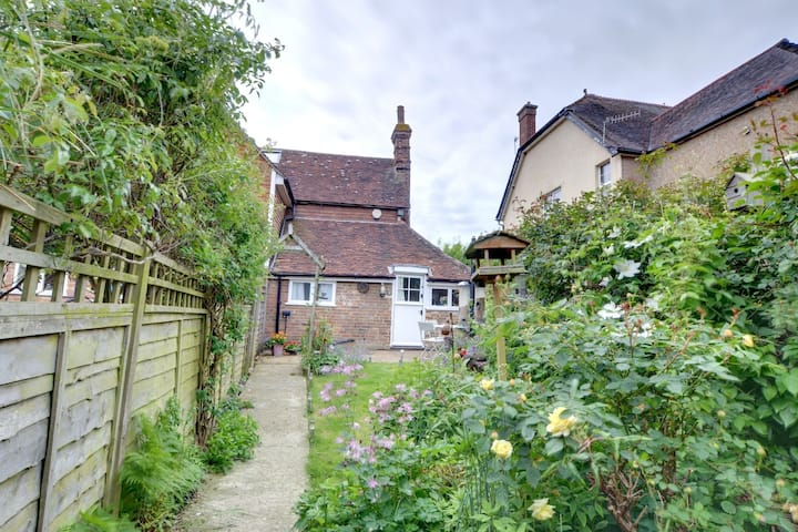 Pretty Holiday home in Sedlescombe Kent with Garden
