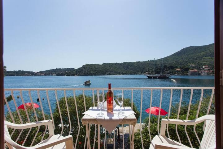 Villa Malfi - Double Room with Sea View
