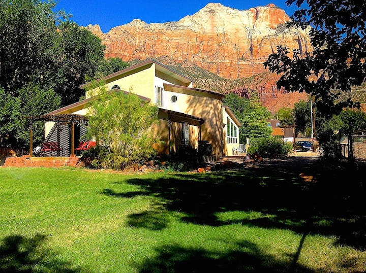 6 brm Zion Vacation Home, Center of Springdale, Ut