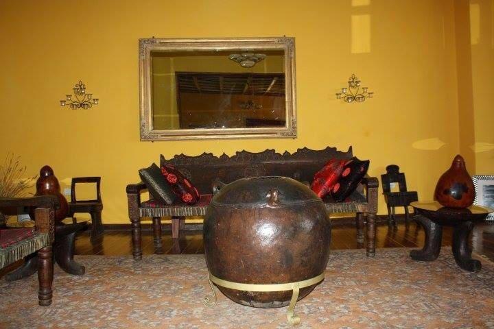 Veranda Front Room in Abbaba's Villa