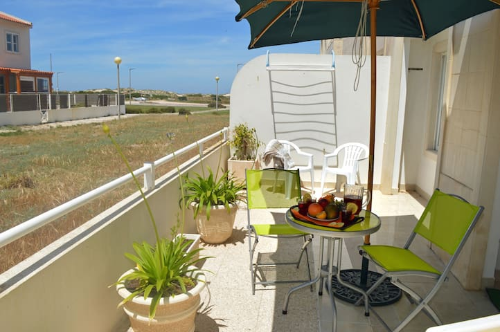 Baleal Bay Terrace- Beach Side