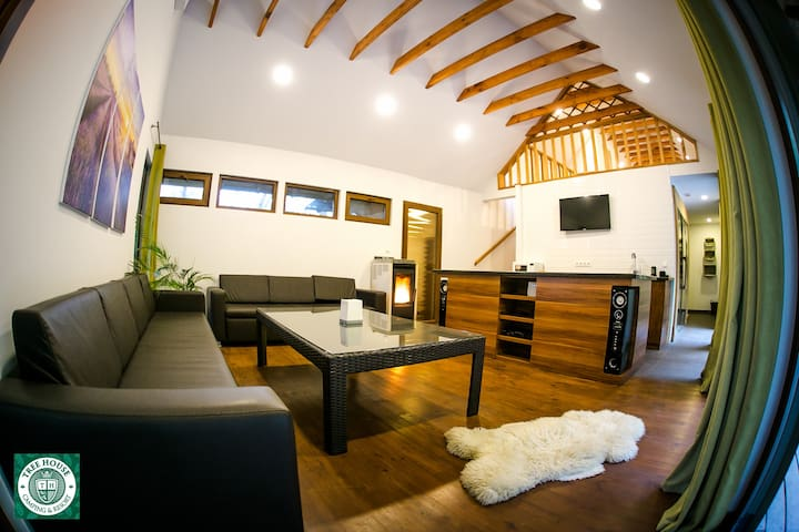 Modern and cozy chalet near Chisinau with sauna - Chisinau - Chalé