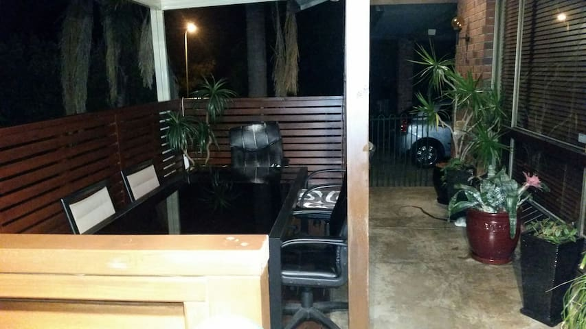 three bedroom house with pool bbq - Modbury Heights - Rumah