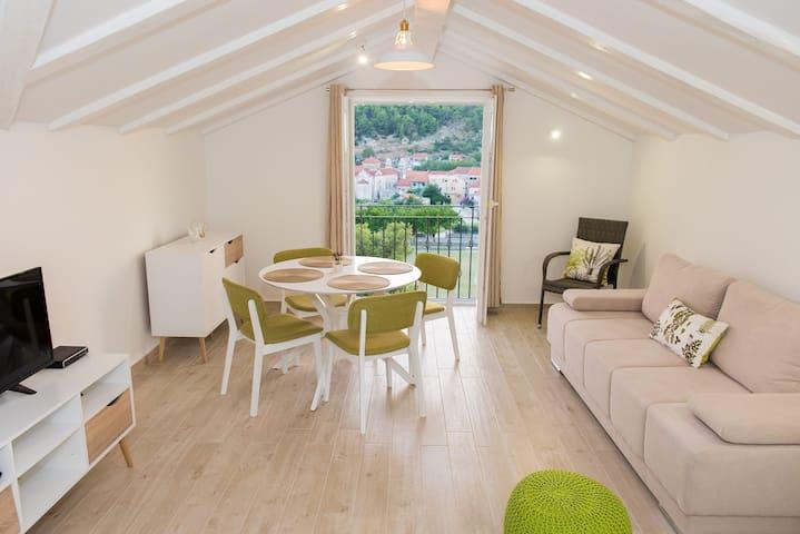 Luxury 2 BR apartment **** - Skradin - House