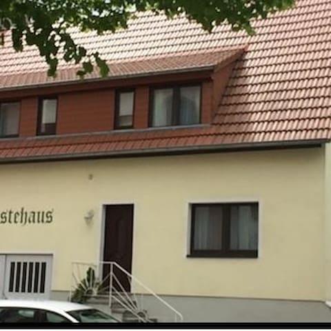 Gästehaus Niki - Tauberbischofsheim - 旅舍