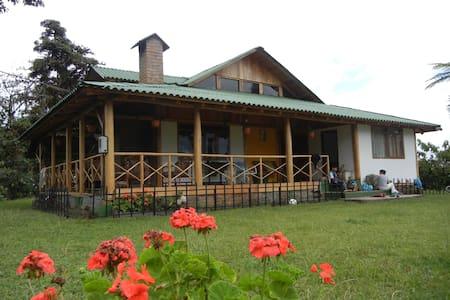 Casa Alambi. Casa de Campo Cerca de Mindo - Nanegalito - Mindo, Ecuador - House