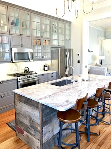 Historic Condo w/yard & parking in the west end