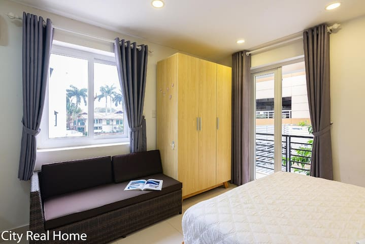 Cozy Home in Thao Dien central With Balcony&Views