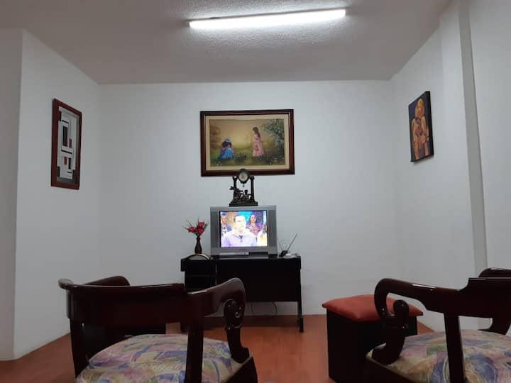 Mini departamento confortable y seguro en Quito