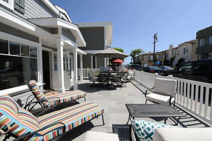 Renovated Balboa Island house near Bay and Main St - Newport Beach - Huis